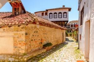 Kastoria_s_418366594_560