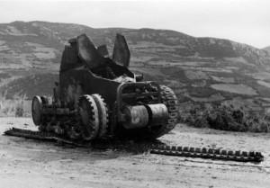 bundesarchiv_bild_146-1973-035-12_jugoslawien_zerstorter_jugosl-_panzer-640x446