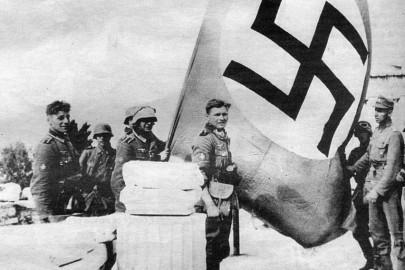 flag-nazi-akrop1419585903