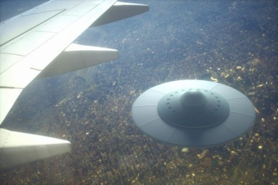 alien-ufo-spaceship-768x512