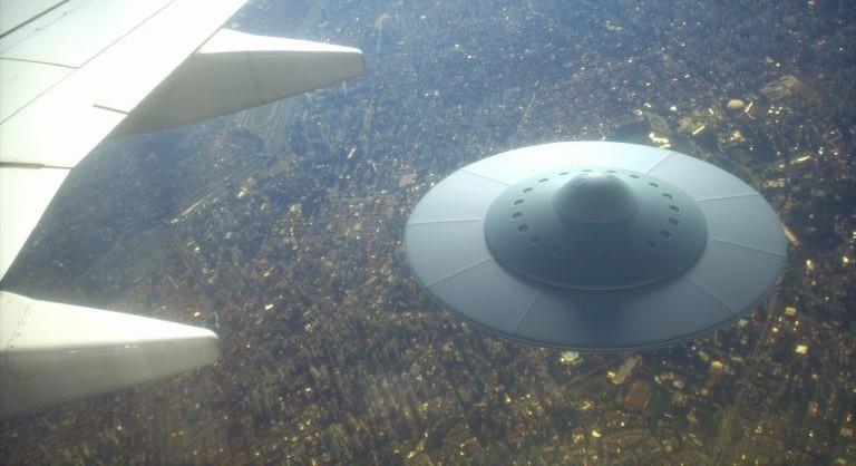 alien-ufo-spaceship-768x512