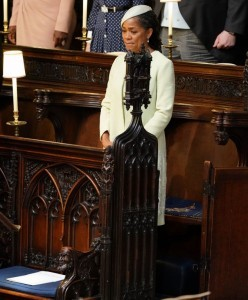 Meghan Markle's mother Doria Ragland takes her seat in St George's Chapel for the wedding ceremony of Britain's Prince Harry, Duke of Sussex and US actress Meghan Markle in St George's Chapel, Windsor Castle, in Windsor, on May 19, 2018. / AFP PHOTO / POOL / Dominic Lipinski