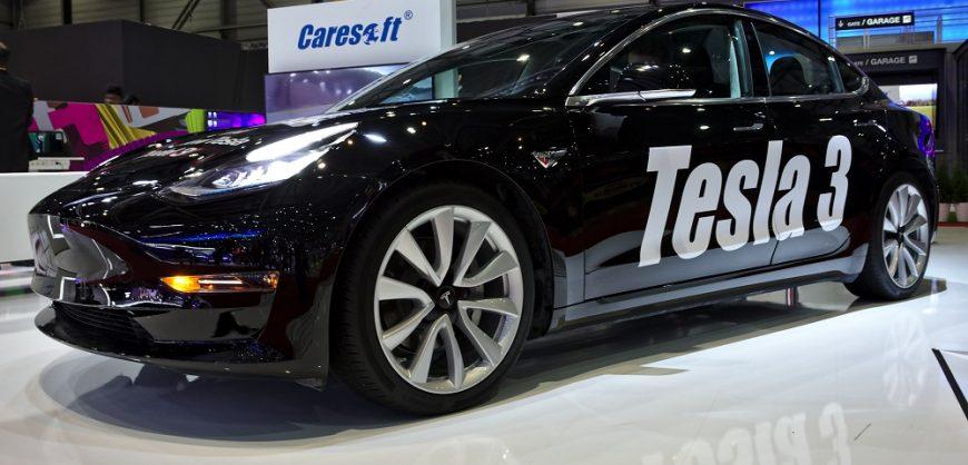 Top 3 Luxury Cars 2018: Tesla Model 3 Was Best-selling Luxury Car In 2018 In US